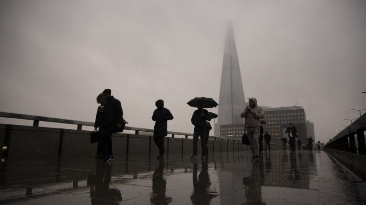 Marea Britanie se confruntă cu cel mai mare exod al lucrătorilor străini din ultimii 70 de ani