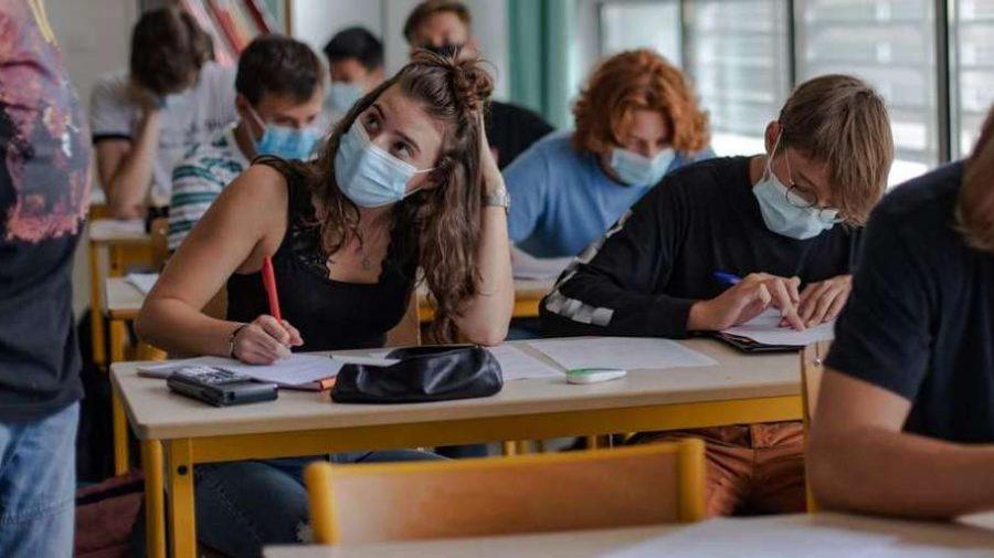 COVID-ul prezent în educație! Profesori, studenți, elevi și grădinițe, în carantină