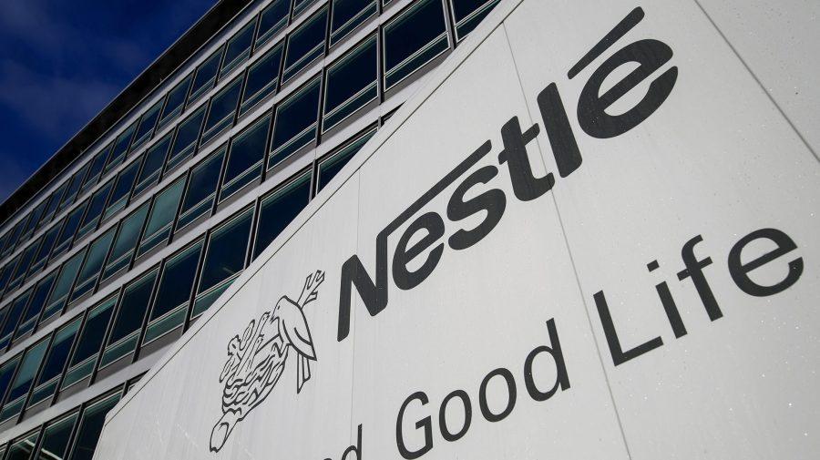 """Nestle spune """"NU"""" zahărului în ciocolată. Ce îndulcitor va folosi în noul baton de ciocolată """"Incoa"""""""