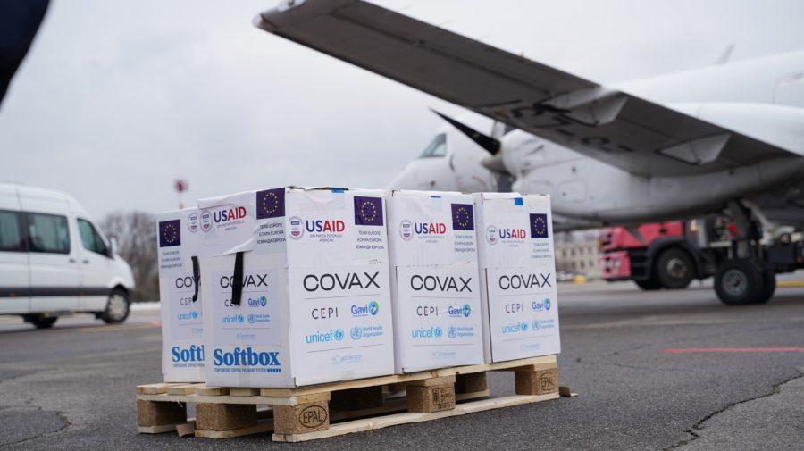 În Moldova a ajuns al doilea lot de vaccinuri împotriva COVID 19 prin intermediul COVAX