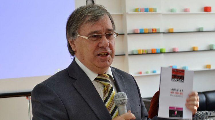 (VIDEO) Nicolae Dabija a fost petrecut pe ultimul drum! La ceremonie s-au rostit poezii, cântece și discursuri