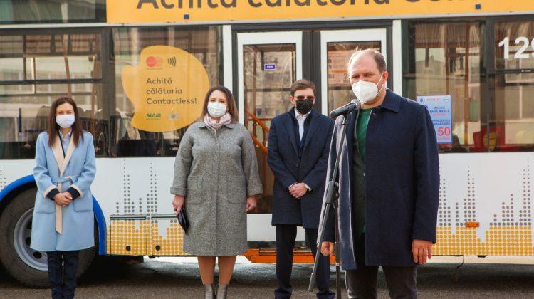 Primăria Chișinău, Mastercard și MAIB au lansat plata fără numerar pentru călătoria în transportul public