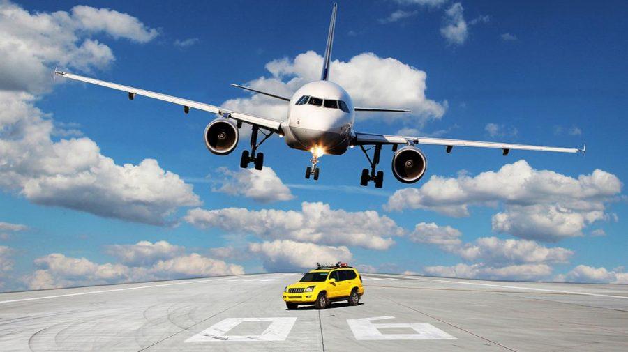 (STUDIU) Zborul sau condusul? Care mijloc de transport este mai sigur pe timp de pandemie