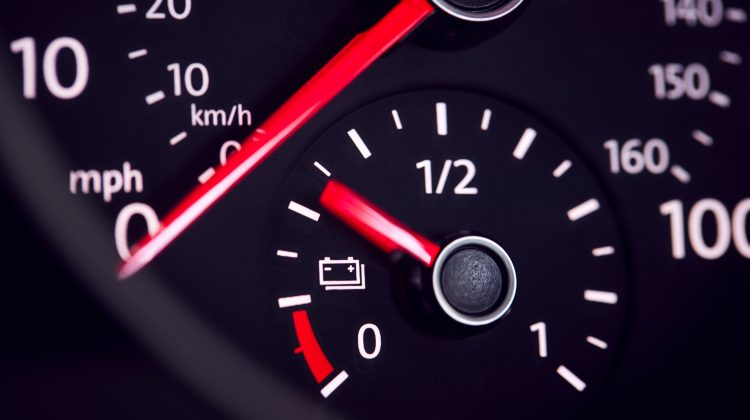 Nouă state membre UE cer un dead-line pentru interzicerea vânzărilor de mașini pe benzină şi motorină