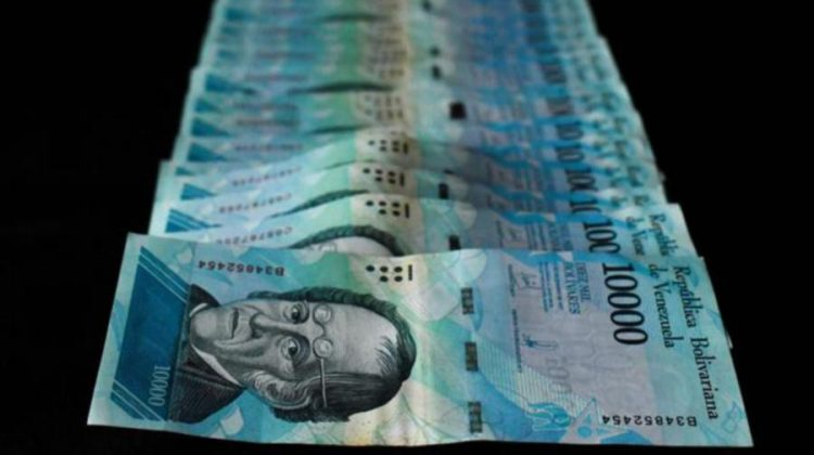 Venezuela lansează bancnota de 1 milion de bolivari, însă hiperinflația o face să fie aproape lipsită de valoare