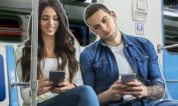 Xiaomi brevetează noua tehnologie ce îi va împiedica pe străini să tragă cu ochiul în telefonul tău