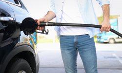 Scumpirile carburanților se țin lanț. Alte rețele de benzinării au afișat prețuri mai mari pe panouri