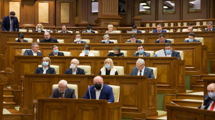 """(VIDEO) PSRM readuce """"legea lustrației"""" pe masa deputaților. Motivul invocat de socialiști"""