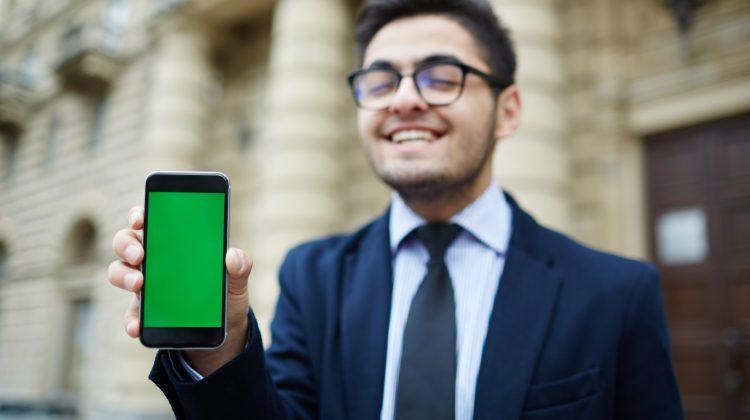 AȘA NU! Cele mai întâlnite greșeli la utilizarea unui smartphone