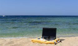 Te-ai plictisit de munca de acasă? Iată câteva destinații pentru munca din vacanță!