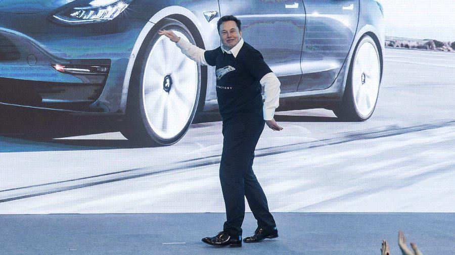 Acțiunile Tesla cresc semnificativ. Care este motivul
