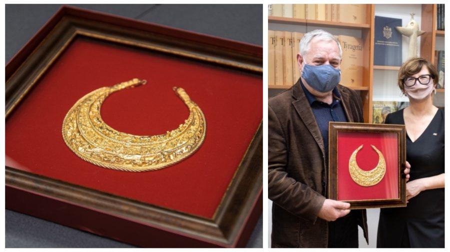 Colier din aur de peste un kilogram. Cadou valoros din partea lui Zelenski pentru Sandu. Unde va fi păstrat