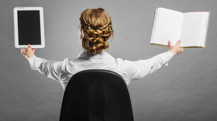 E-book sau cartea tradițională? Avantajele fiecăreia dintre ele