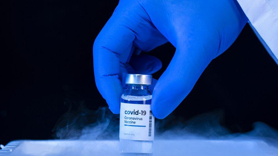 SUA se descurcă cel mai bine cu vaccinarea. UE rămâne în urmă de 3 ori