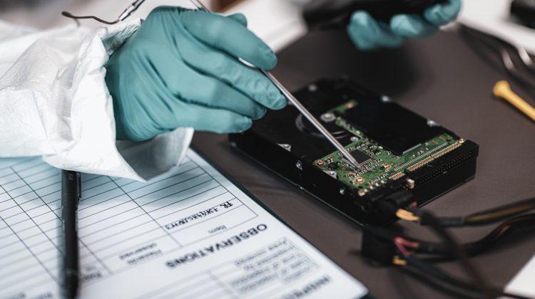 Joburi de viitor: (88) Forensic data analyst