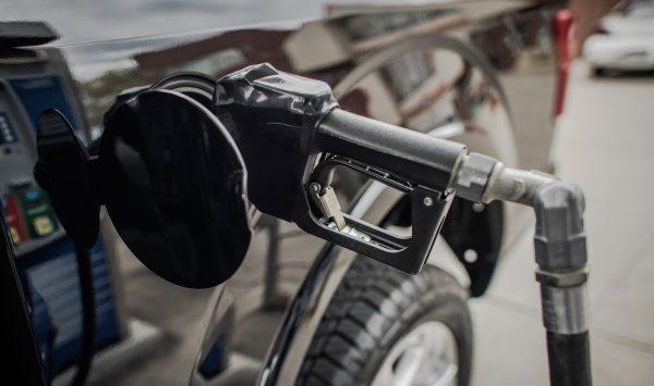 Newsmaker: Benzina, legea și Maia Sandu. Cine și cum dă foc pieței de combustibili din Moldova?