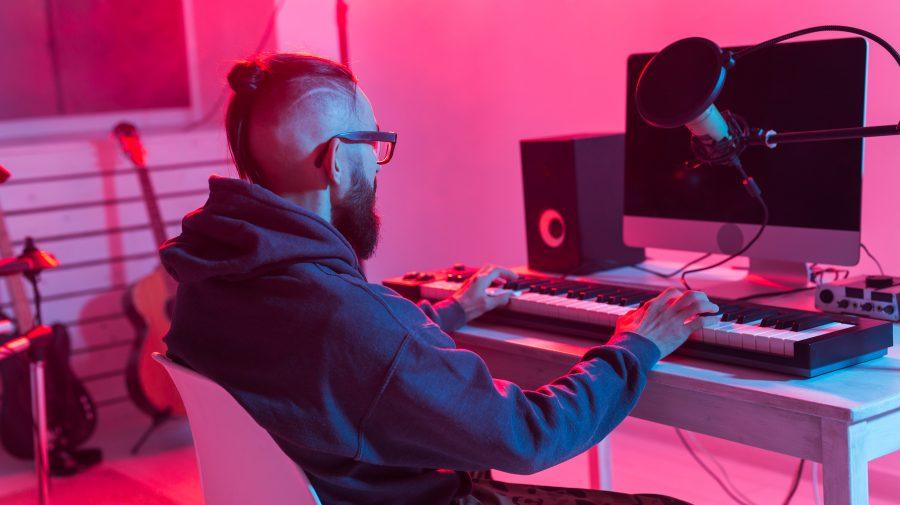 Joburi de viitor: (94) Media Remixer