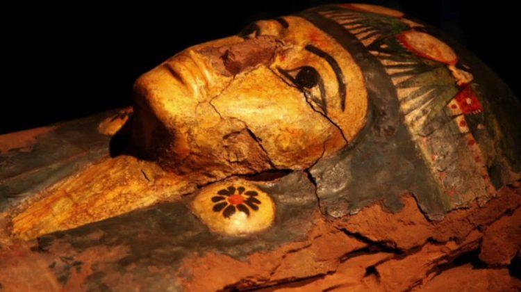 """""""Parada"""" faraonilor. Mumiile părăsesc Muzeul Egiptean din Cairo"""