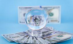 Cumpărăturile cu numerar ar putea fi plafonate. UE vrea să combată spălarea de bani