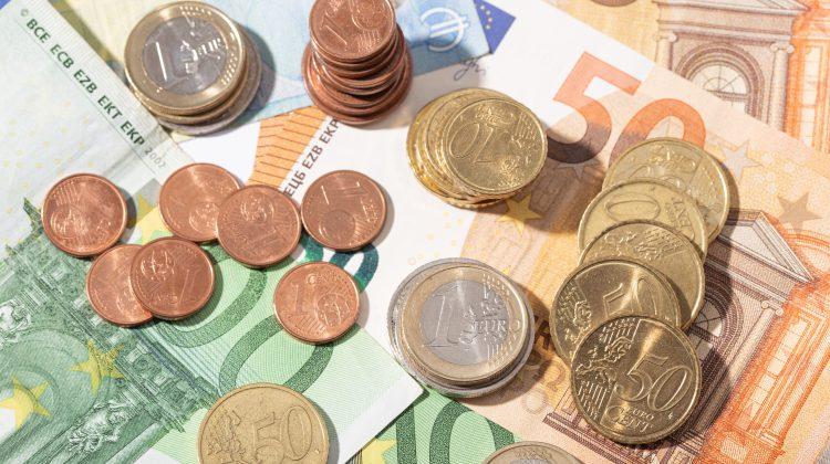 Curs valutar pentru 21 aprilie 2021: Euro continuă să se scumpească