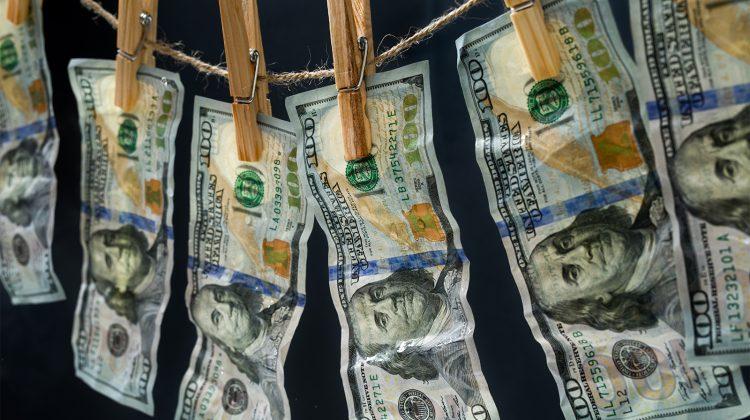 Soluție IT de ultimă generație pentru prevenirea riscurilor de spălarea banilor și monitorizarea acționarilor bancari