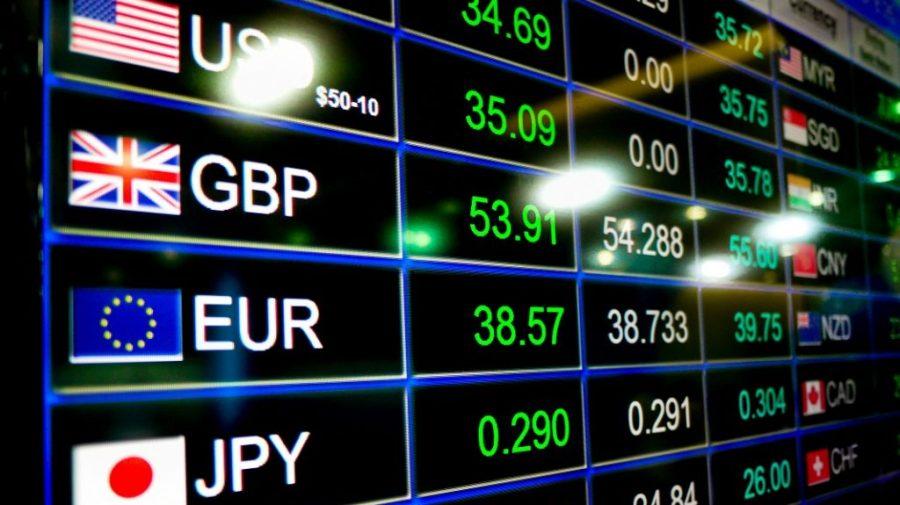 Euro, mai ieftin cu peste 10 bani. Curs valutar pentru ziua de 5 mai 2021