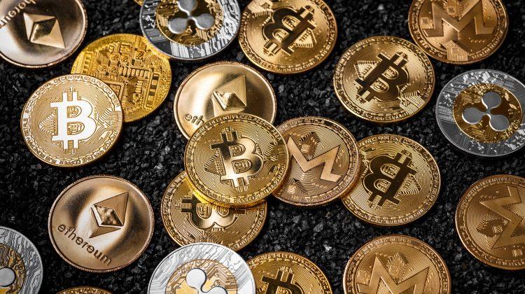 Care sunt cele mai populare criptomonede, în fucție de capitalizarea pe piață. Bitcoin este primul în listă