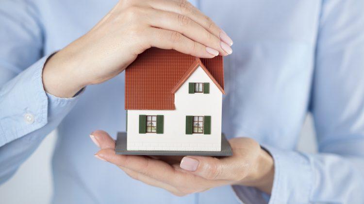 Care sunt etapele pe care trebuie să le parcurgi când îți cumperi o casă? Tot ce trebuie să știi
