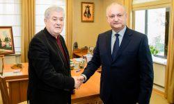 (FOTO) ULTIMĂ ORĂ! Dodon și Voronin au semnat documentul de formare a unui bloc electoral