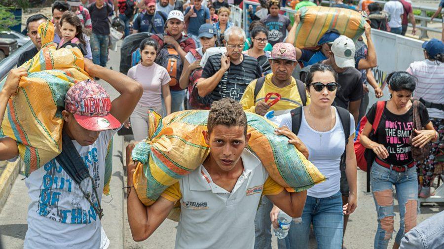 Criză economică în Venezuela: salariul minim a crescut, dar banii nu ajung nici pentru o cutie de ouă
