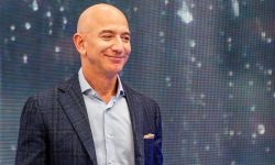 Jeff Bezos şi-a comandat un mega-iaht, cu heliport. Capriciul celui mai bogat om din lume