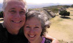 Cuplul care s-a pensionat la 38 de ani în 1991 cu economii de 500.000 de dolari. Cum au supraviețuit investițiile lor
