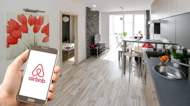 Se deschide sezonul vacanţelor. Airbnb prezice o revenire fără precedent a călătoriilor