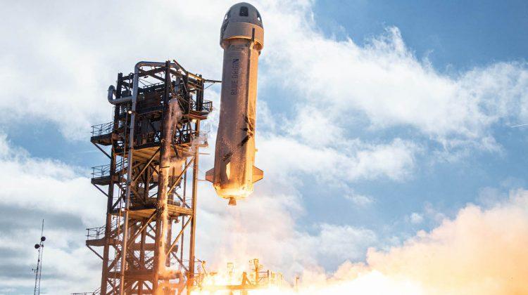 Până-n cer și înapoi: Cât costă o călătorie în racheta lui Jeff Bezos
