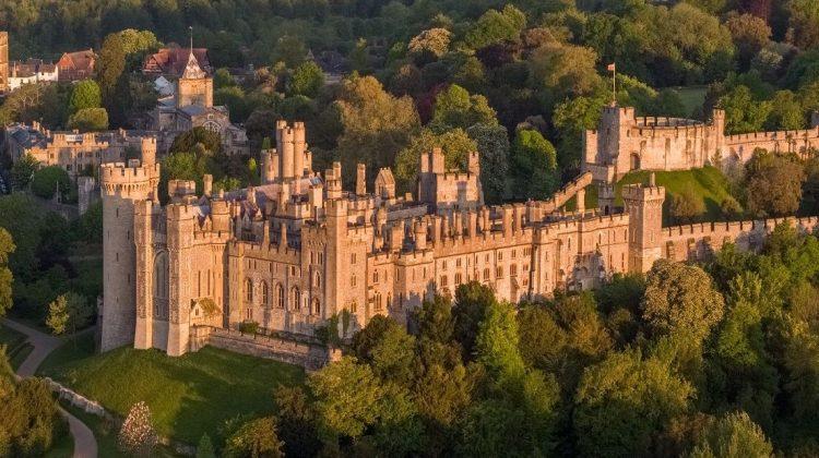 Furt la Castelul Arundel din Marea Britanie. Valoarea obiectelor furate ajunge la peste un milion de lire sterline