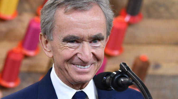 Președintele Louis Vuitton urcă pe locul II în clasamentul celor mai bogați oameni ai planetei