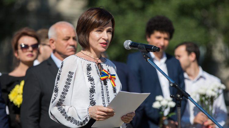 (VIDEO) Îmbrăcată în ie, Maia Sandu ne spune Paște Fericit. Cu ce mesaj vine Președinta