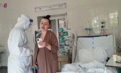 (VIDEO) Femeile gravide din Capitală, care au fost infectate cu COVID, puse să cânte pentru a-și reface plămânii