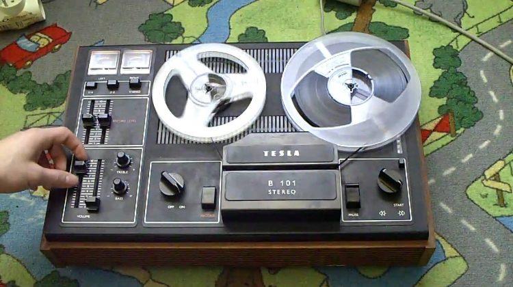 8 magnetofoane sovietice din anii 1980. Când casetele erau compacte (FOTO)