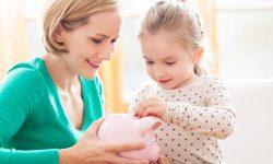 Fiica ta îți va fi recunoascătoare dacă o vei învăța aceste 5 reguli financiare simple. Orice mamă trebuie să le știe
