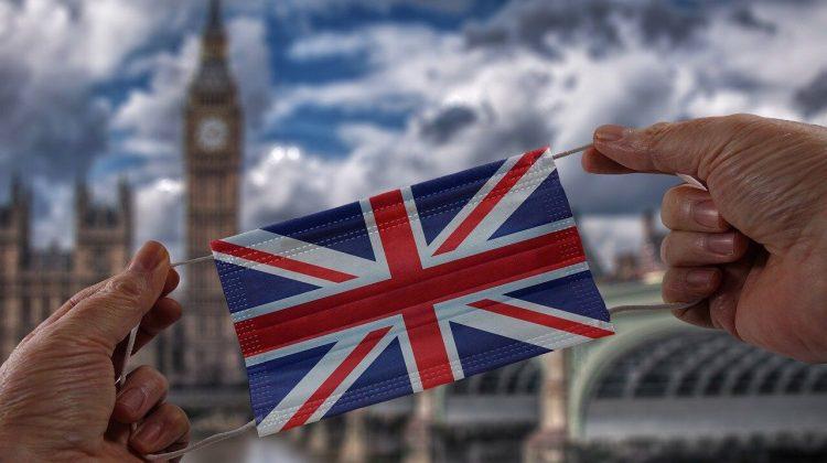 Marea Britanie vrea să renunțe la restricții. Cu ce va fi înlocuită carantina