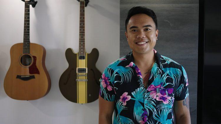 (VIDEO)Un tânăr de 27 de ani a cheltuit 100.000 de dolari renovându-și apartamentul de 560.000 $ din Hawaii. Cum arată