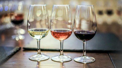"""Vinurile moldovenești premiate la concursul """"Challenge International du Vin"""" 2021. Țara noastră a obținut 50 de medalii"""