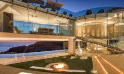 """(FOTO) """"Razor House"""" inspirată de """"Iron Man"""" se vinde cu 20,8 milioane de dolari. Cum arată"""