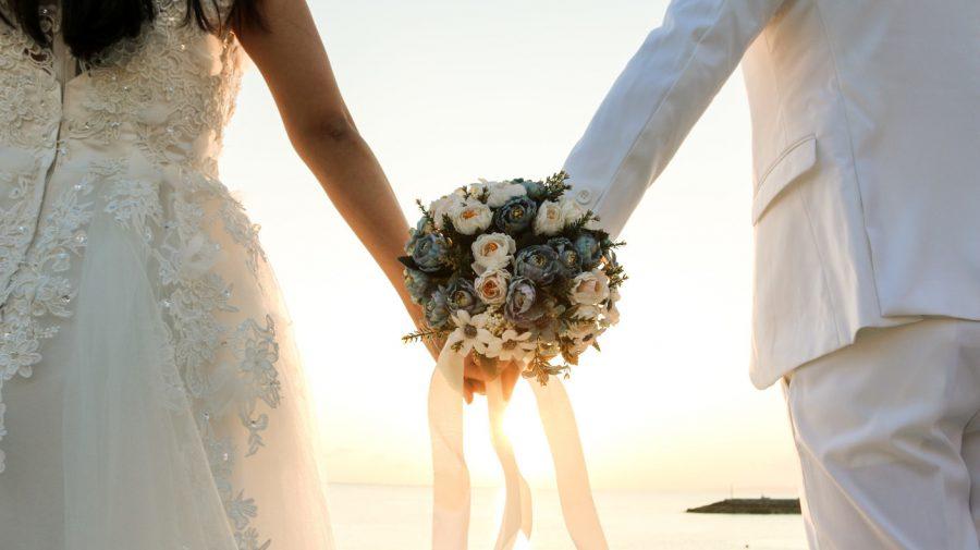 Două femei au câștigat o avere din căsătoriile cu 19 bărbați în doar 2 ani. Au fost înșelați cu circa 300.000 de euro