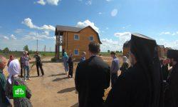 (VIDEO) O mănăstire din Rusia construiește un complex rezidențial care va avea piscină și heliport. Cât costă