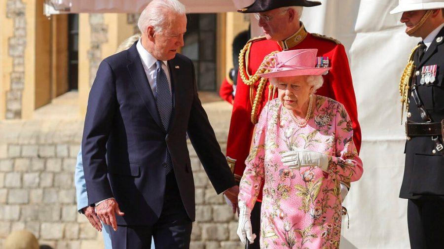 """Joe Biden, primit de Regina Marii Britanii la Castelul Windsor. """"Mi-a adus aminte de mama"""""""