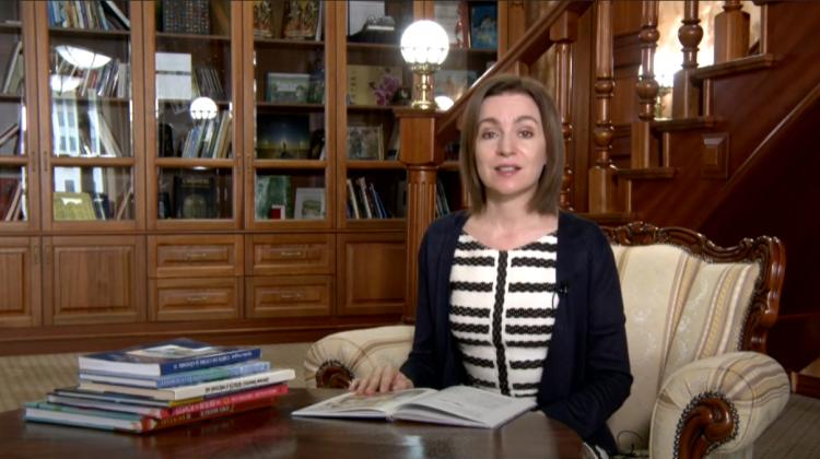 """(VIDEO) Maia Sandu citește o poveste de Spiridon Vangheli. Președinta s-a alăturat campaniei """"Povești de-acasă"""""""