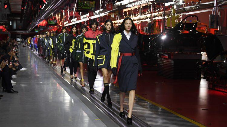 (FOTO) Ferrari s-a lansat în fashion și a prezentat prima colecție vestimentară. Cum arată și care sunt prețurile