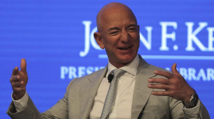 3 obiceiuri zilnice care îl fac pe Jeff Bezos mai productiv decât tine. Iată de ce este atât de bogat